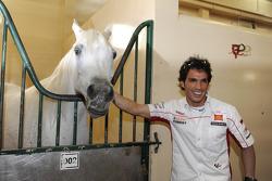 Toni Elias, San Carlo Honda Gresini, visits a Qatari ranch