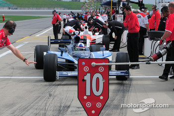 Dario Franchitti, Target Chip Ganassi Racing comes into the pits