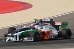 Adrian Sutil, Force India F1 Team and Kazuki Nakajima, Williams F1 Team