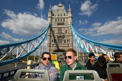 Neel Jani, driver of A1 Team Switzerland and Adam Carroll, driver of A1 Team Ireland take a tour of London