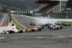 The start, #11 International Draco Racing: Bertrand Baguette, #4 Ultimate Motorsport: Miguel Molina, #5 P1 Motorsport: James Walker