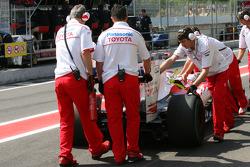 Toyota Mechanics hiding the back of their car