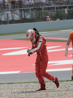 Kimi Raikkonen, Scuderia Ferrari retired from the race