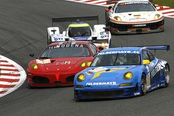 #88 Team Felbermayr - Proton Porsche 997 GT3 RSR: Horst Felbermayr Jr., Christian Ried, Francisco Cruz Martins; #84 Team Modena Ferrari F430 GT: Antonio Garcia, Leo Mansell