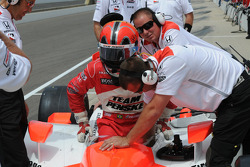 Helio Castroneves, Penske Racing gets ready