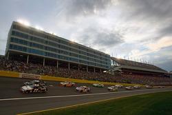 Sam Hornish Jr., Penske Racing Dodge and David Stremme, Penske Racing Dodge lead the field
