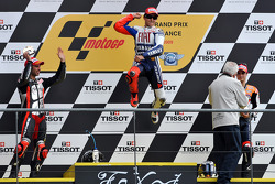 Podium: race winner Jorge Lorenzo, Fiat Yamaha Team, second place Marco Melandri, Hayate Racing Team, third place Dani Pedrosa, Repsol Honda Team