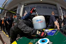 Pit stop for #2 Manthey Racing GmbH Porsche 911 GT3 Cup S: Emmanuel Collard, Wolf Henzler, Richard Lietz, Dirk Werner