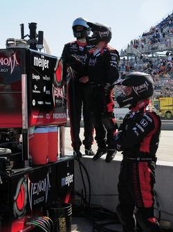 Marco Andretti's crew looks on