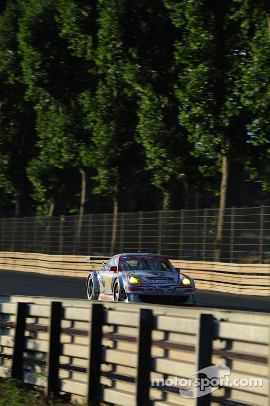 #76 IMSA Performance Matmut Porsche 911 GT3 RSR: Raymond Narac, Patrick Long, Patrick Pilet