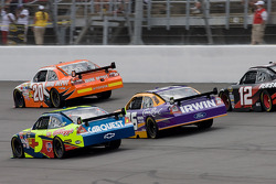 Joey Logano, Joe Gibbs Racing Toyota, Mark Martin, Hendrick Motorsports Chevrolet, Jamie McMurray, Roush Fenway Racing Ford, David Stremme, Penske Racing Dodge