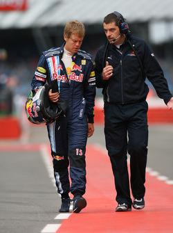 Sebastian Vettel, Red Bull Racing with Guillaume Rocquelin, Red Bull Racing Race Engineer of Sebastian Vettel