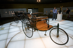 The pionners and the invention of the automobile: 1886 Benz Patent Motor Car