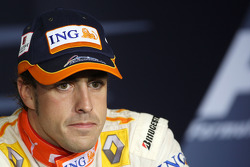 Post-qualifying press conference: pole winner Fernando Alonso, Renault F1 Team