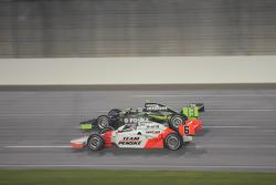 Ryan Briscoe, Team Penske runs with Ernesto Viso, HVM Racing