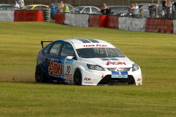 Tom Chilton runs off track