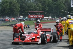 Pitstop for Scott Dixon, Target Chip Ganassi Racing