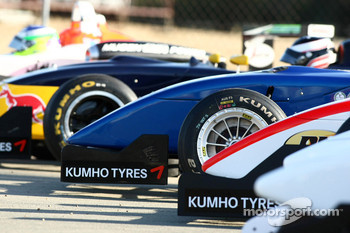 F3 cars prepare for first pratice