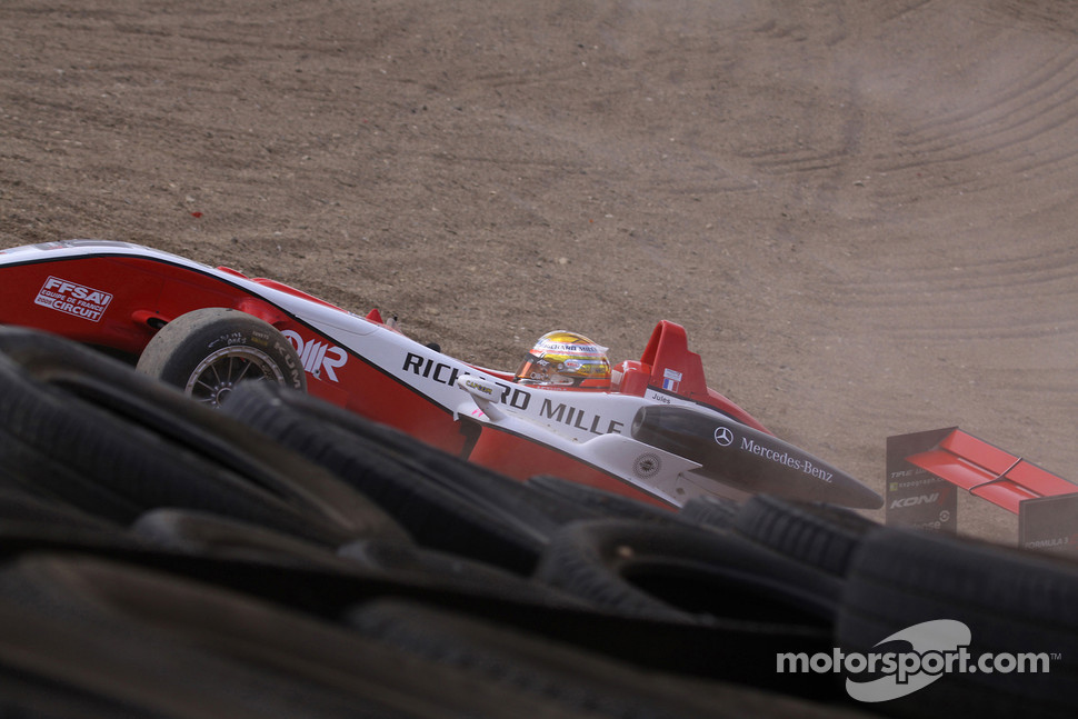 Jules Bianchi, ART Grand Prix Dallara F308 Mercedes crashes