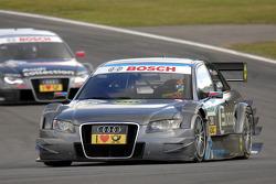 Tomas Kostka, Kolles TME Audi A4 DTM leads Katherine Legge, Audi Sport Team Abt Audi A4 DTM