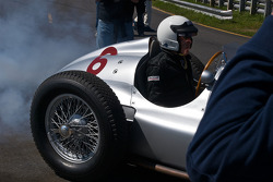 1939 Mercedes-Benz W154 roars to life