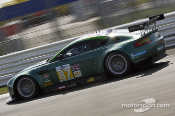 #87 Drayson Racing Aston Martin Vantage GT2: Paul Drayson, Jonny Cocker