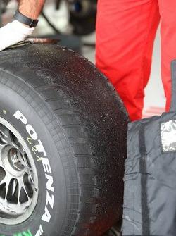 Badly worn Bridgestone tyre of Kimi Raikkonen, Scuderia Ferrari