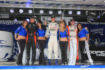 Podium: race winner and 2009 Atlantic Series champion John Edwards, Newman Wachs Racing, second place Jonathan Summerton, Newman Wachs Racing, third place Markus Niemela, Jensen MotorSport