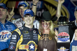 Victory lane: race winner Kurt Busch, Penske Racing Dodge, with wife Eva