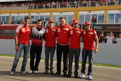 Marc Gene, Fernando Alonso, Giancarlo Fisichella, Stefano Domenicali, Luca Badoer and Felipe Massa