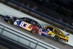 Brian Vickers, Red Bull Racing Team Toyota, Matt Kenseth, Roush Fenway Racing Ford
