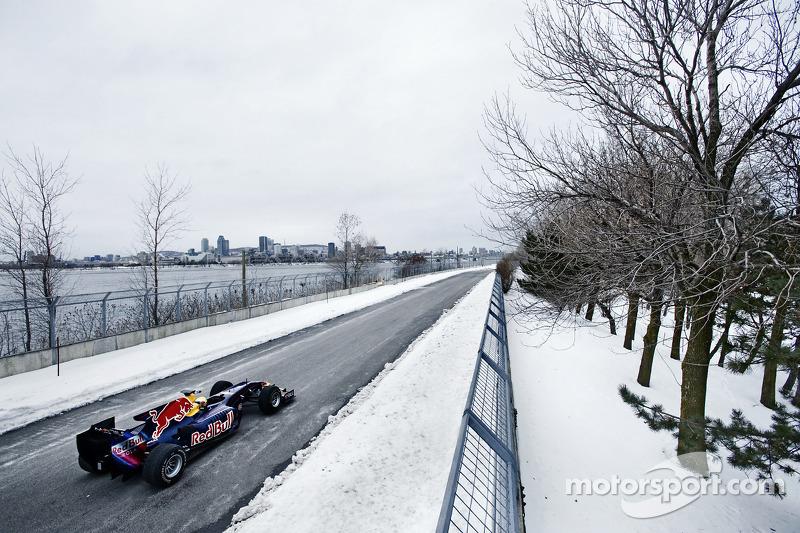 Sebastien Buemi im Formel-1-Auto von Red Bull Racing  am Circuit Gilles-Villeneuve in Montreal, Kanada