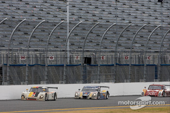 Restart: #9 Action Express Racing Porsche Riley: Joao Barbosa, Terry Borcheller, Ryan Dalziel, Mike Rockenfeller leads #10 SunTrust Racing Ford Dallara: Max Angelelli, Pedro Lamy, Ricky Taylor, Wayne Taylor