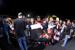 Carl Edwards, Roush Fenway Racing Ford signs autographs