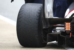 worn rear tyre on the BMW Sauber F1Team- Formula 1 Testing, Jerez, Spain