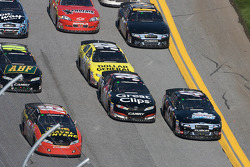 Michael Annett, Kasey Kahne and Scott Lagasse Jr. go three-wide