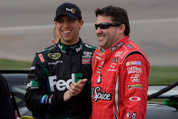 Denny Hamlin, Joe Gibbs Racing Toyota and Tony Stewart, Stewart-Haas Racing Chevrolet