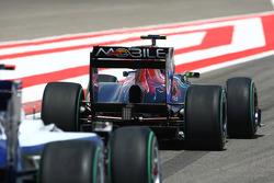 Jaime Alguersuari, Scuderia Toro Rosso wing and diffuser