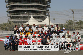 2010 Drivers group pictures with all the former World Champions