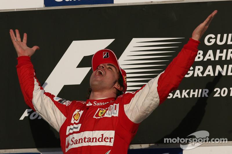 Eerst succes met Ferrari bij debuut in Bahrein 2010