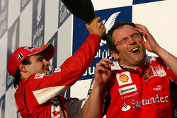 Podium: race winner Fernando Alonso, Scuderia Ferrari and Stefano Domenicali, Scuderia Ferrari Sporting Director