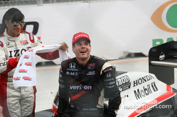 Race winner Will Power, Team Penske celebrates