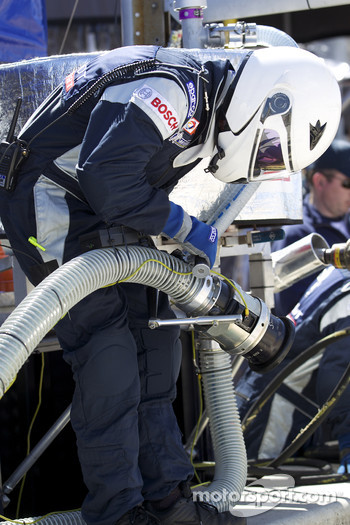 Team Peugeot Total refueler