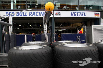 Race preparations, the garage of Sebastian Vettel, Red Bull Racing