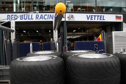 Race preparations, the garage of Sebastian Vettel, Red Bull Racing