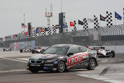Pace car leads the field to pace laps