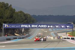 #7 Audi Sport Team Joest Audi R15 TDI : Rinaldo Capello, Allan McNish leads the field
