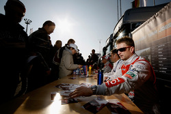 Autograph session: Rinaldo Capello, Tom Kristensen and Allan McNish