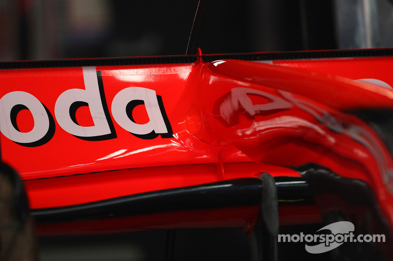 Jenson Button, McLaren Mercedes, F-Duct system detail