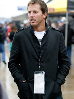 Mike Modano of the NHL's Dallas Stars